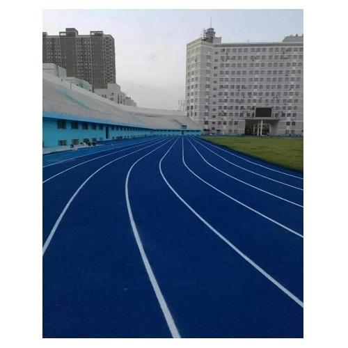 巴音体育馆的水性蓝色跑道